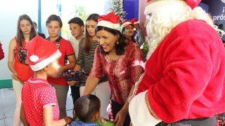 La vicepresidenta Margarita Cedeño ofreció una fiesta navideña a niños y niñas víctimas de violencia intrafamiliar protegidos por el programa Progresando con Solidaridad.
