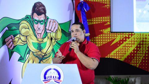 El ilustrador Jarul Ortega, explica la responsabilidad que debe tener una persona a la hora de crear humor gráfico, disciplina que tiene unos 300 años de creación.